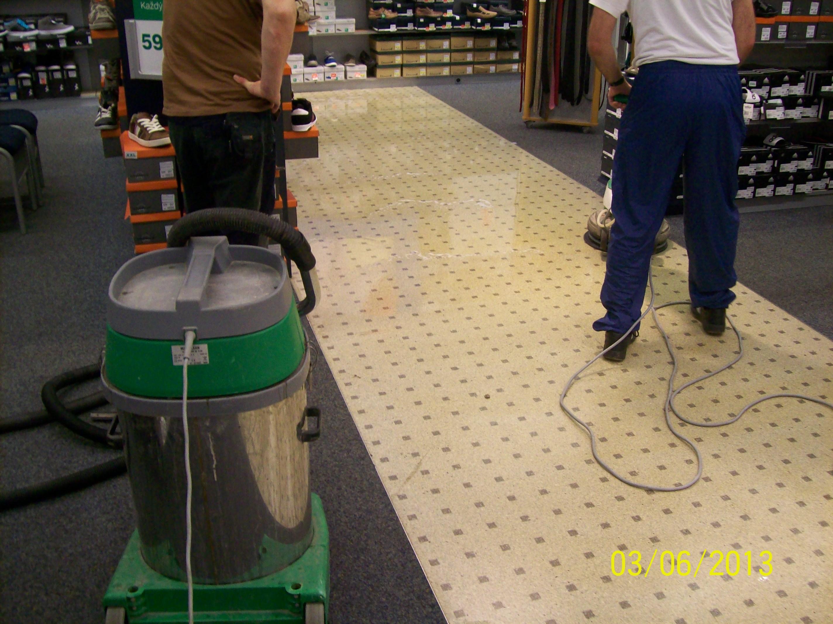 Strojové čistenie a voskovanie podláh Zvolen